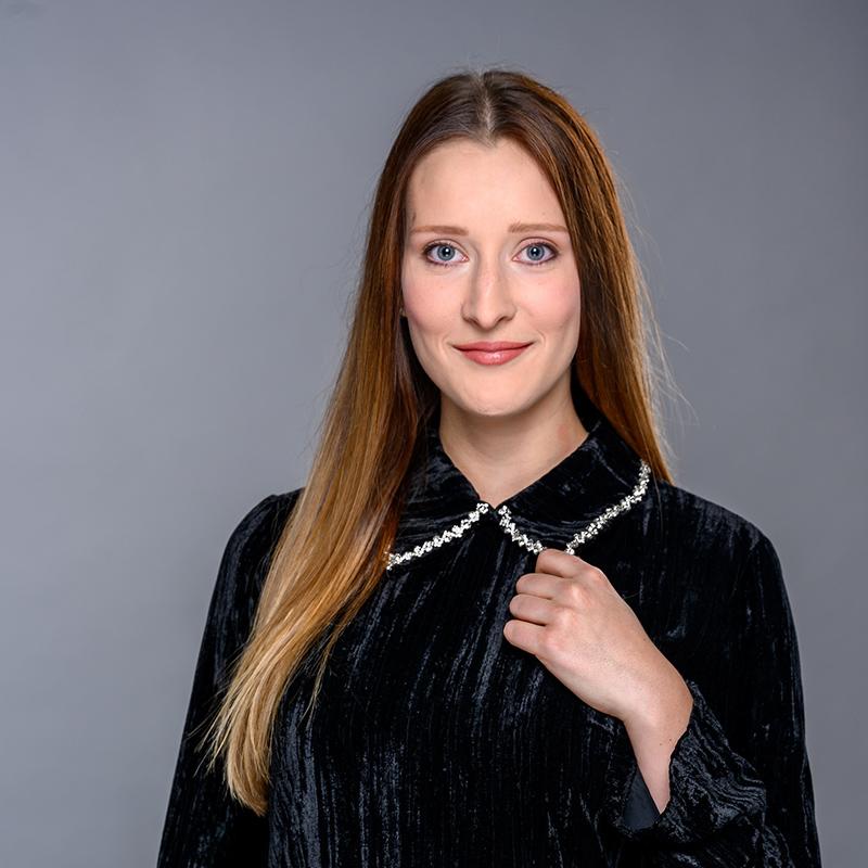 Technicienne juridique Madame Élizabeth Girard - Girard Avocats